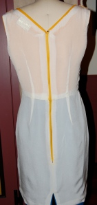 Here is the dress turned inside out.  I used a forsythia-yellow zipper as i thought it more important to match the bodice than the skirt of the dress.