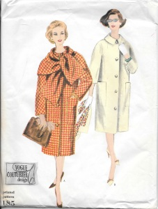 This has got to be one of my favorite examples of pattern art: the model in white holding the scarf so casually, the stylish shoes, and the large clutch handbag on the model on the left - lovely and evocative!
