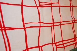 Red/white abstract linen